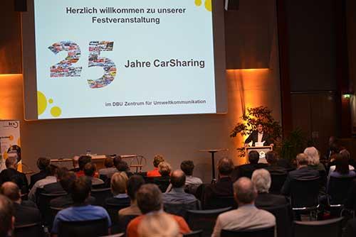 Bernd Kremer eröffnet die Veranstaltung im Namen des bcs-Vorstandes
